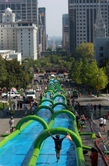 Slide The City street view